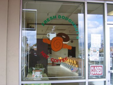 Breakfast_Delicious-Donuts-And-Deli-003